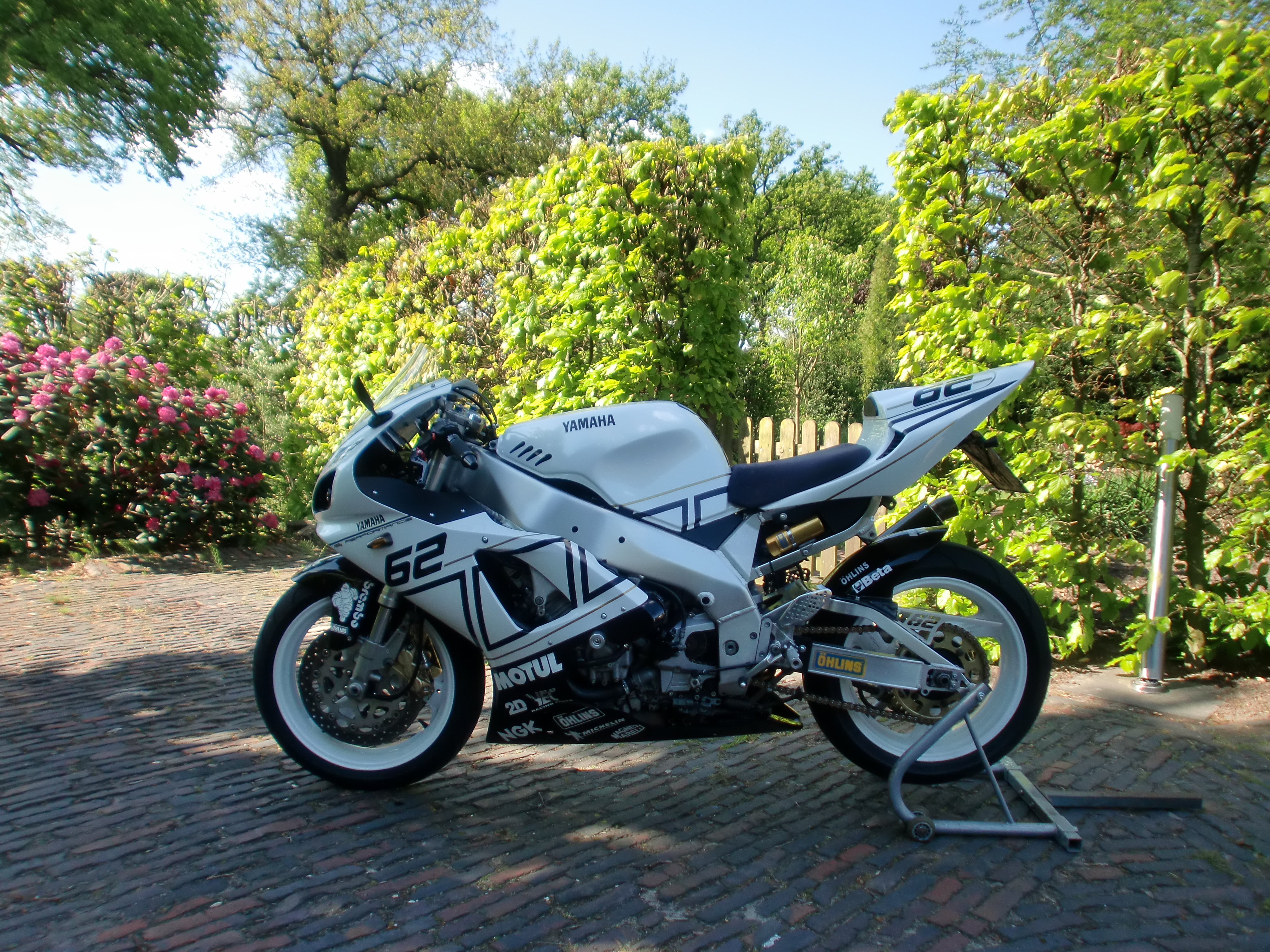 Yzf 1000 rr special edition yamaha forum your for Yamaha rr 1000